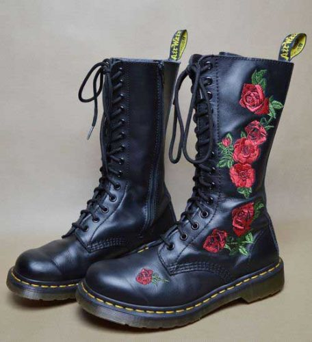 combat-boots-with-floral-details