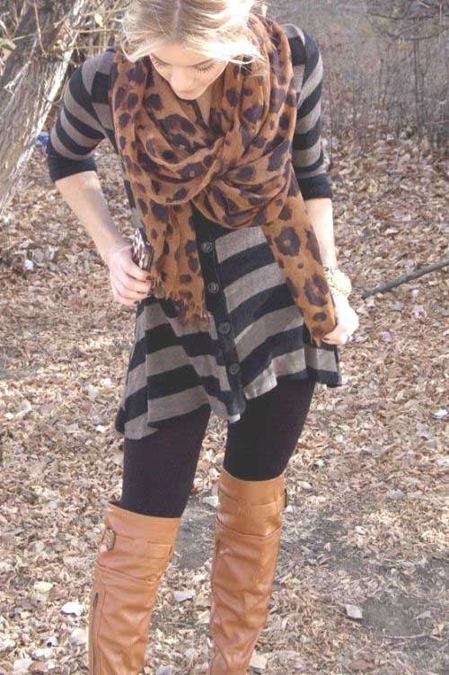 leo-scarf-fall-outfit-with-boots