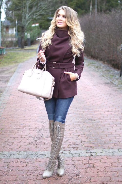 maroon-burgandy-sweater-outfit