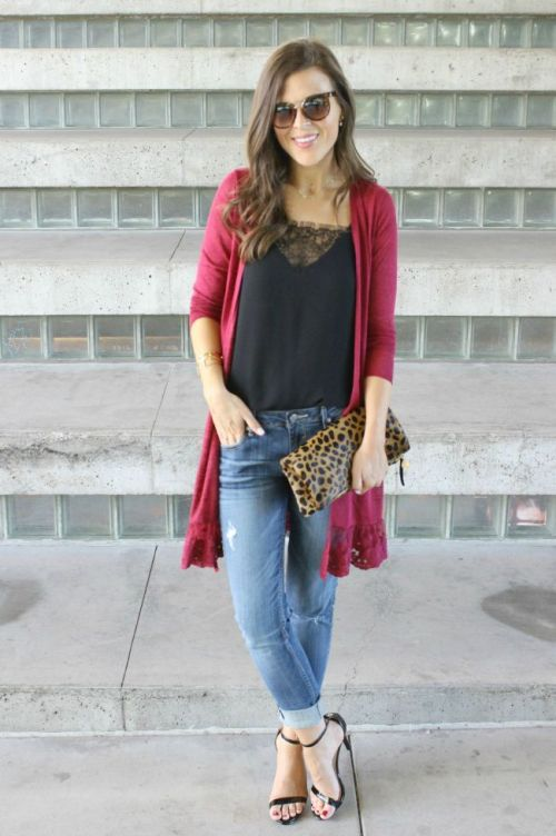 maroon-long-cardigan-outfit