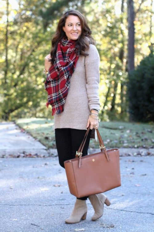 maroon-plaid-scarf-outfit