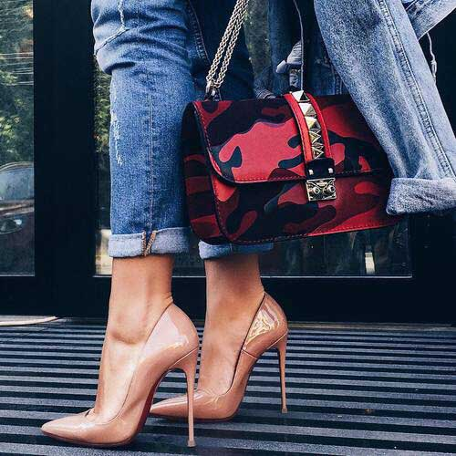 nude-pump-heels-with-valentino-bag