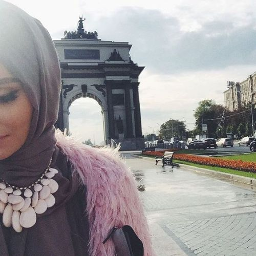 pink-fur-vest-with-hijab