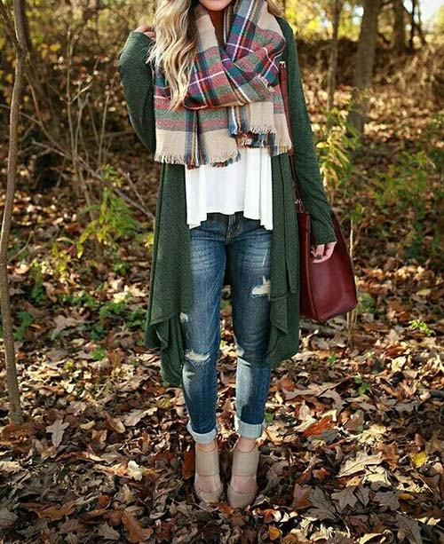 plaid-scarf-green-cardigan-outfit