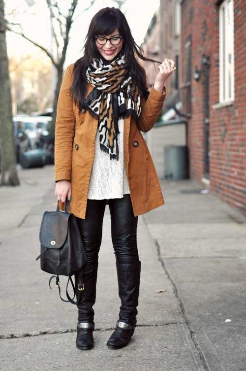 plaid-scarf-with-camel-jacket