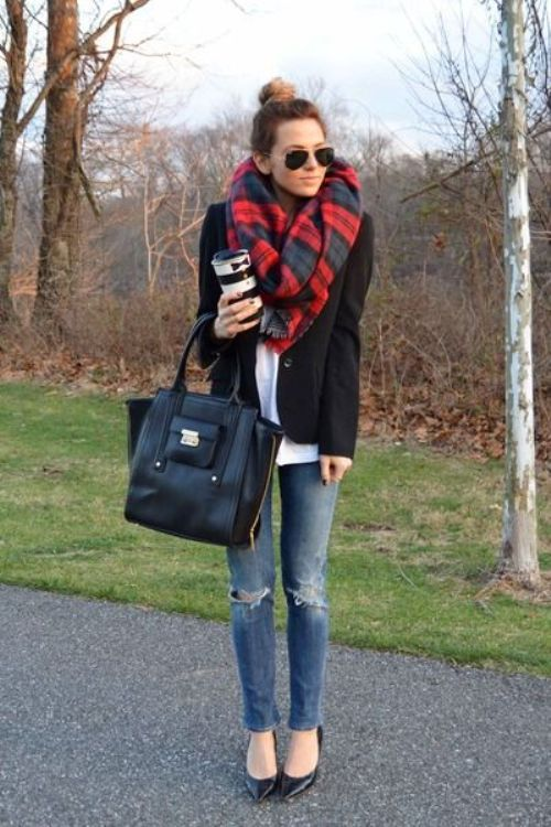 red-turtan-scarf-outfit-idea