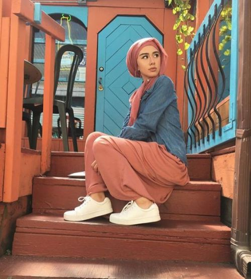 rusty maxi skirt denim shirt hijab casual