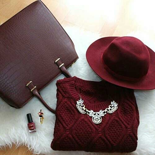 statement-necklace-with-burgundy-sweater
