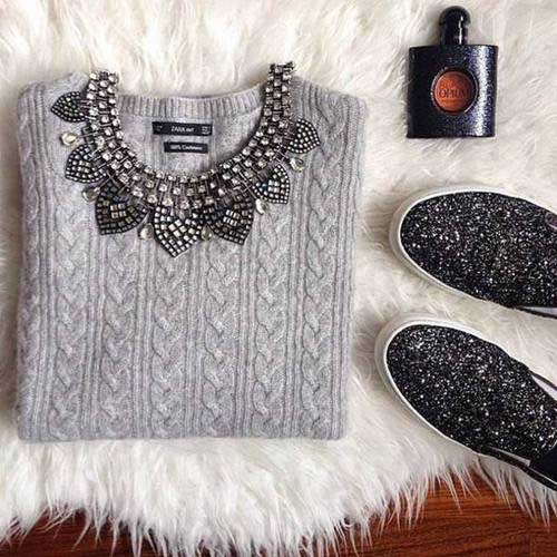 statement-necklace-with-sweater-and-slip-on