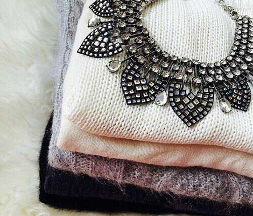 statement-necklace-with-sweaters