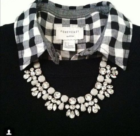 statement-necklaces-with-black-sweater