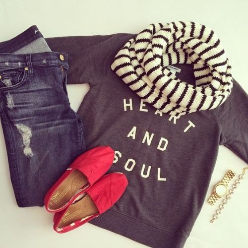 striped scarf fall outfit