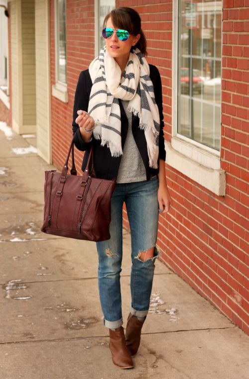 stylish-scarf-outfit-idea