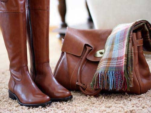 tall-boots-with-mulberry-bag