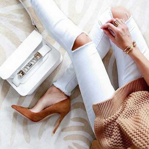 tan-pump-heel-white-jeans
