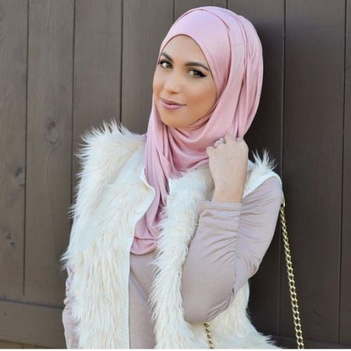 white-fur-vest-with-pink-hijab