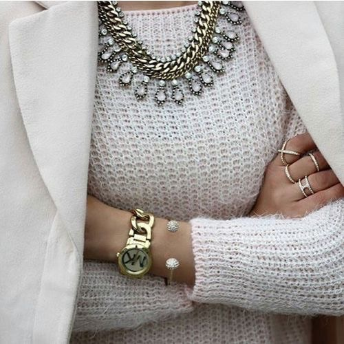 white-sweater-with-statement-necklace