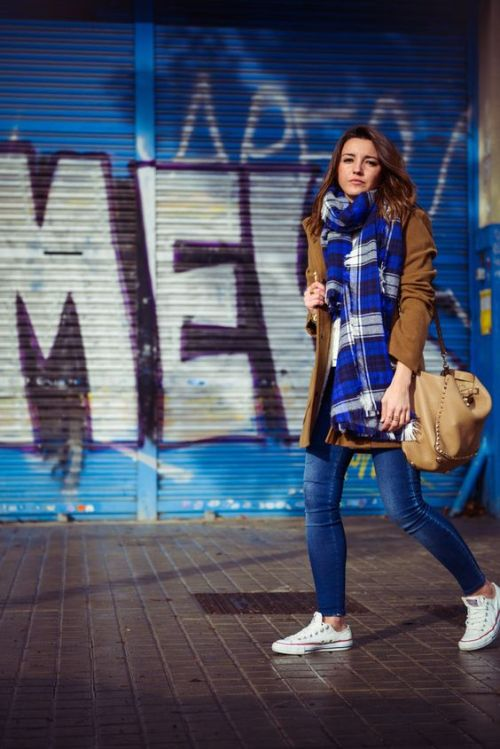 brown-jacket-with-plais-scarf-outfit