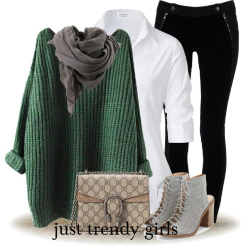 green-chunky-sweater