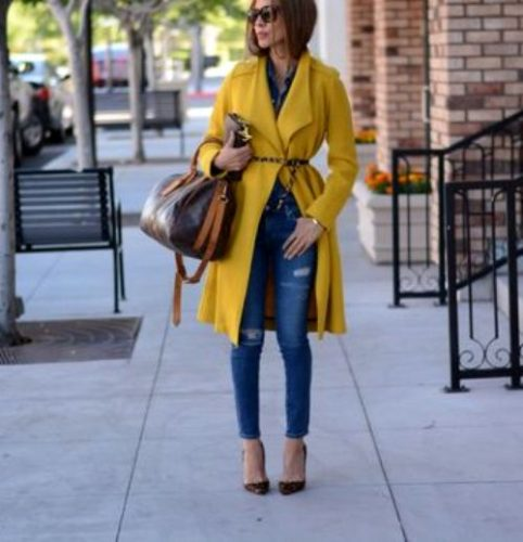 lolariostyle-in-yellow-trench-coat