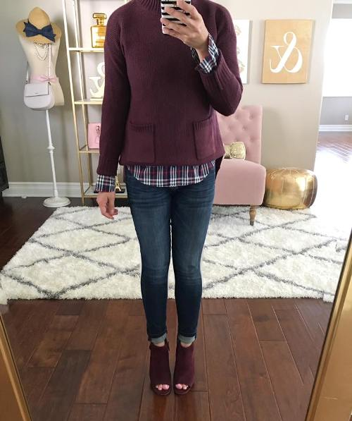 maroon-boots-with-jeans