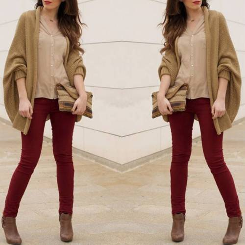 maroon-jeans-with-beige-knit-cardigan