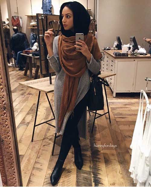 neutral-hijab-look-with-black-ankle-boots