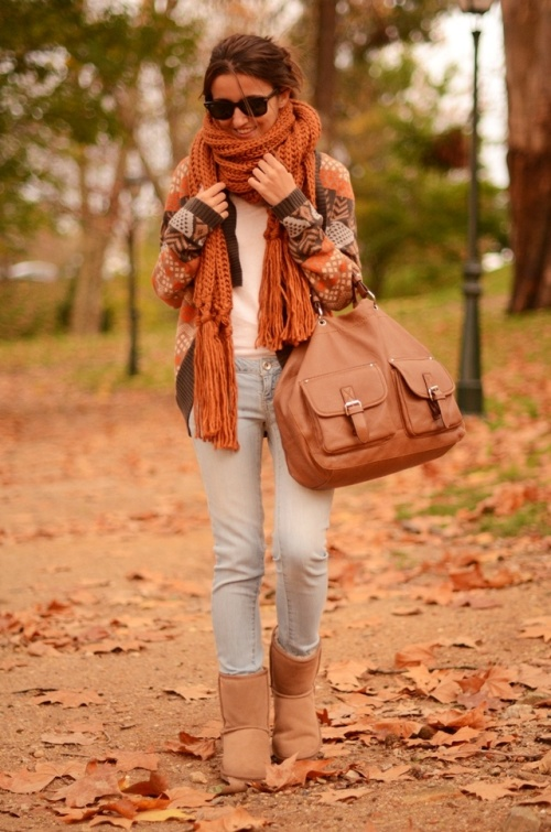 printed-orange-cardigan-outfit