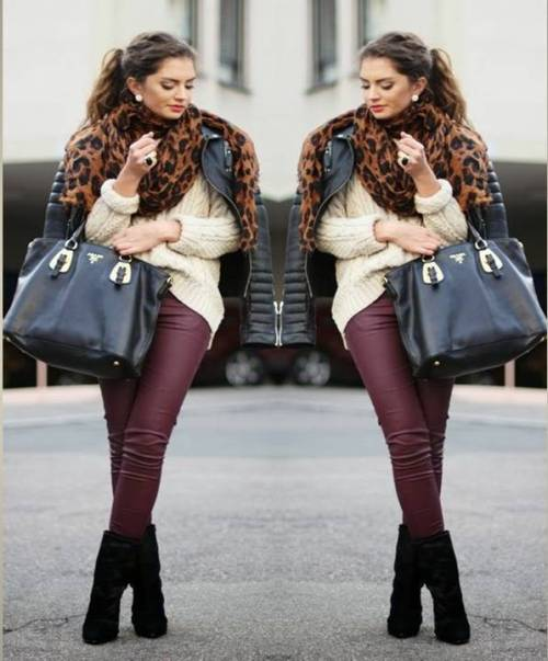 burgundy-pants-with-leopard-scarf