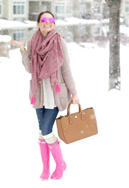 cute-outfit-in-pink-hunter-boots