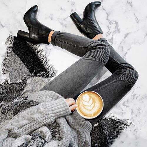 grey-outfit-with-black-boots