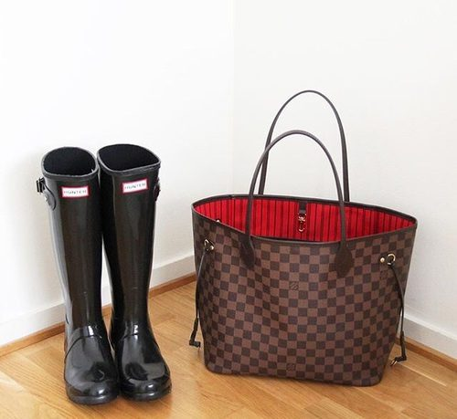 hunter-boots-with-neverfull-louis-vuitton