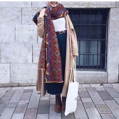 long-trench-coat-winter-hijab