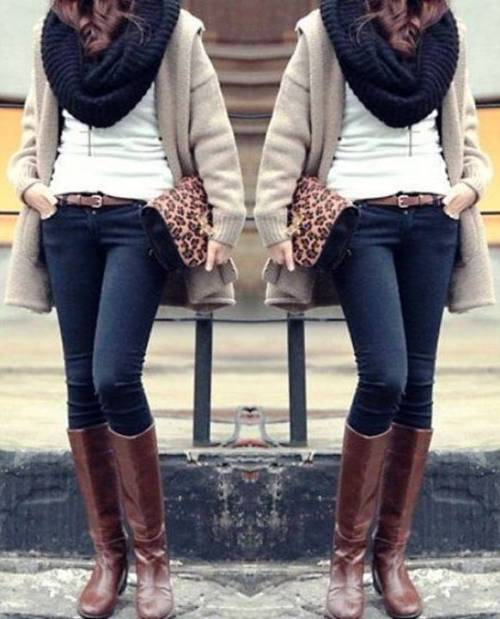 neutral-cardigan-with-infinity-black-scarf