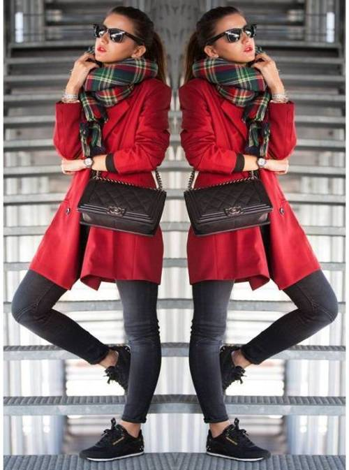 red-trench-coat-with-sneakers