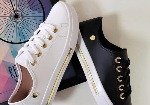 Girl's fashionable sneakers in pinky shades