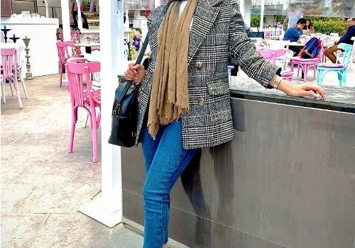 How to wear checked coats with hijab