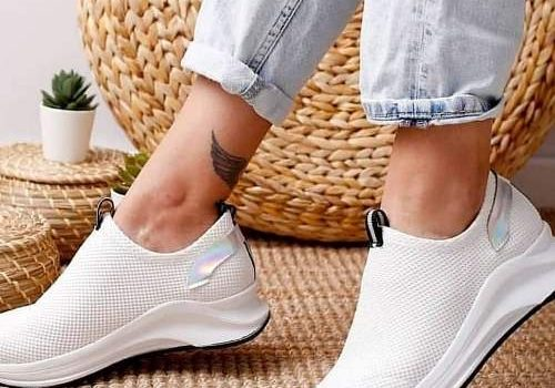 Easy and comfy sneakers for girls
