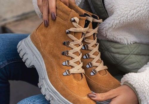 The safety boots in new trendy styles